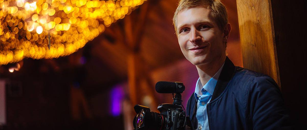 Vidéaste de mariage basé en Champagne, réalisateur de films de mariage en Europe.